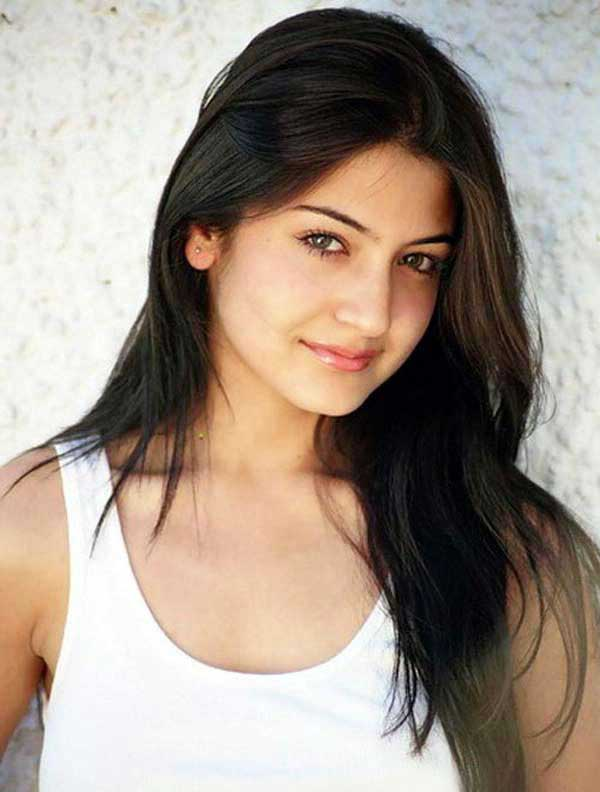 anushka sharma live9 - Face Of the Day ... 26 JuNe