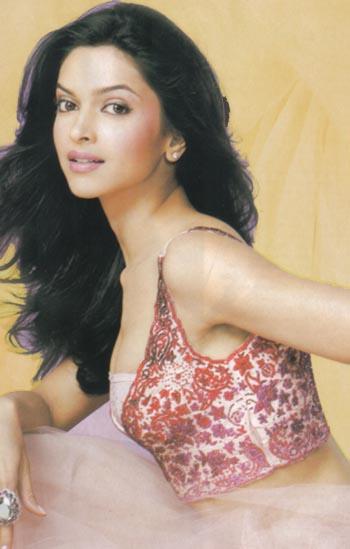 http://www.liveindia.com/deepika-padukone/31may08c.jpg