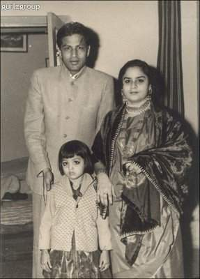 Zeenat Aman SRK. Shah Rukh Khan's ...
